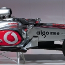vodafone_mclaren_mercedes_mp4-25_launch_02