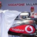 vodafone_mclaren_mercedes_mp4-25_launch_04