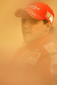 Felipe Massa waits for the sandstorm to pass, Bahrain, 2009